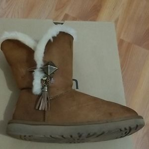 UGG Lilou Ankle Boots